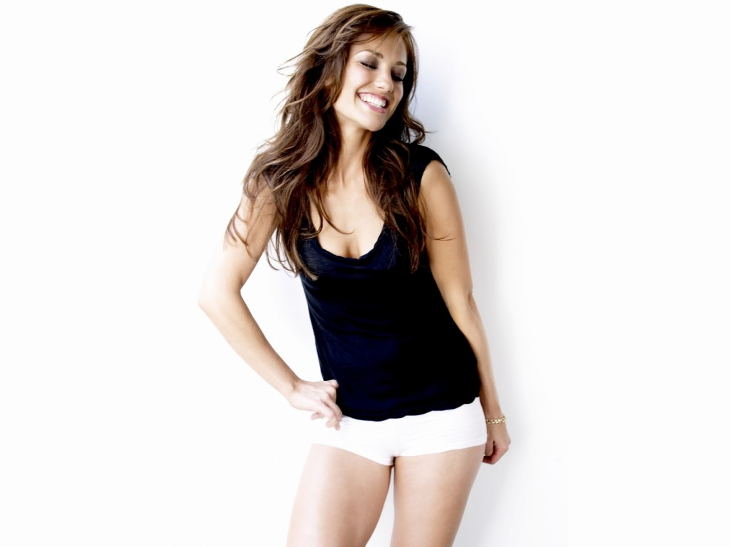 Minka Kelly 001 2740 Wallpaper 1024x768 Minka Kelly con shorts