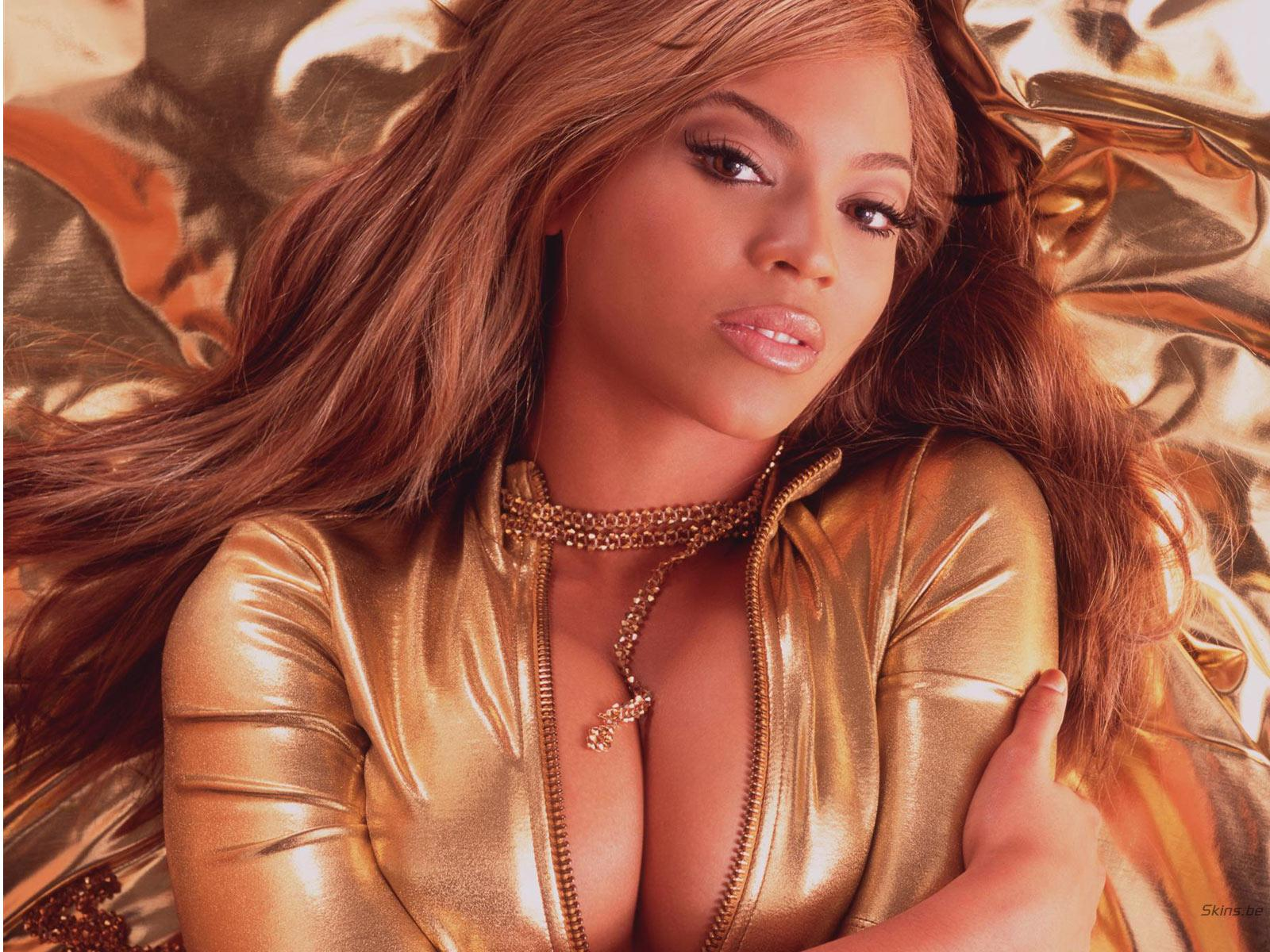 beyonce big boobs cleavage golden suit messy brown hair Beyoncé Sexy