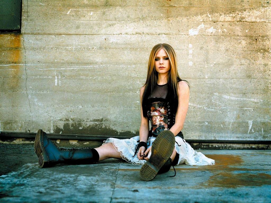 wp Avril Lavigne 4 1024x768 Avril Lavigne